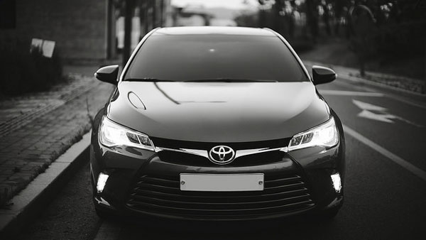 2015-Toyota-Camry-XLE