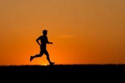 چه ساعتی ورزش کنیم؟