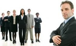 کارفرما چگونه تصمیم میگیرد چه کسی را استخدام کند؟