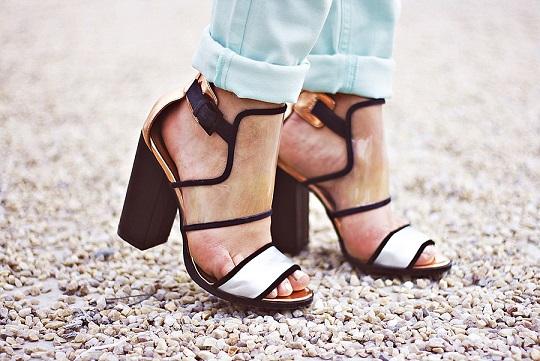کفش shoes