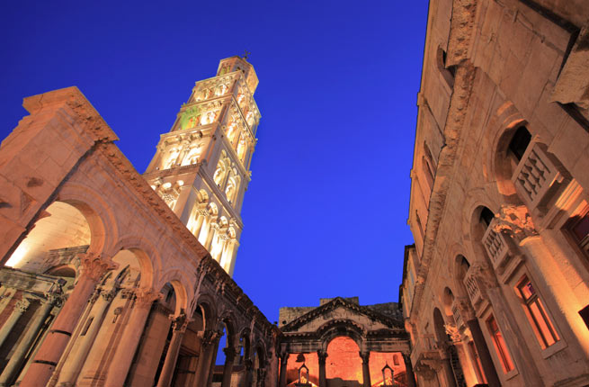 خرابه های شگفت انگیز و دیدنی در سراسر دنیا,کاخ دیوکلسین-diocletians-palace-croatia