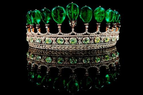 گرانترین جواهرات دنیا,تاج زمرد و الماس