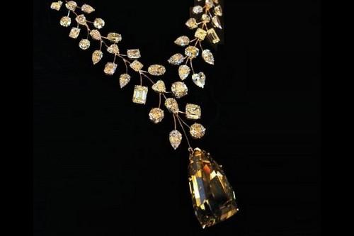 گردنبند الماس بی همتا