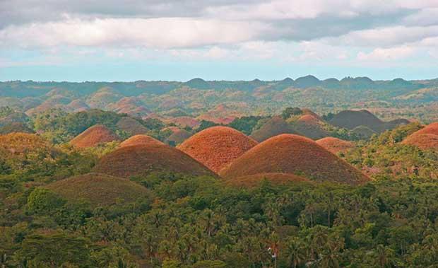 عجیب ترین جاذبه های گردشکری دنیا,chocolate-hills-nightchocolate-hills-philippines-unbelievable-info-8rx3lc8v