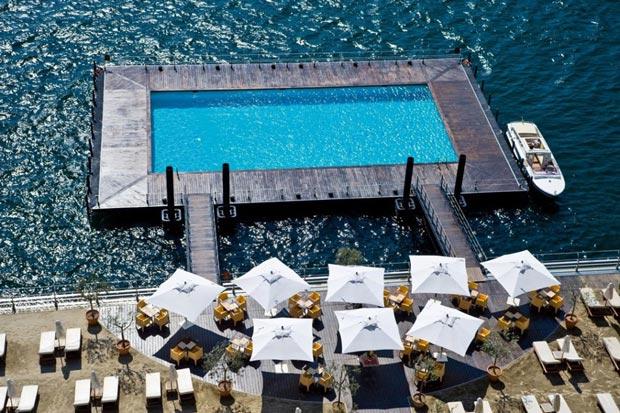13.استخر Floating Lake در Grand Hotel Tremezzo