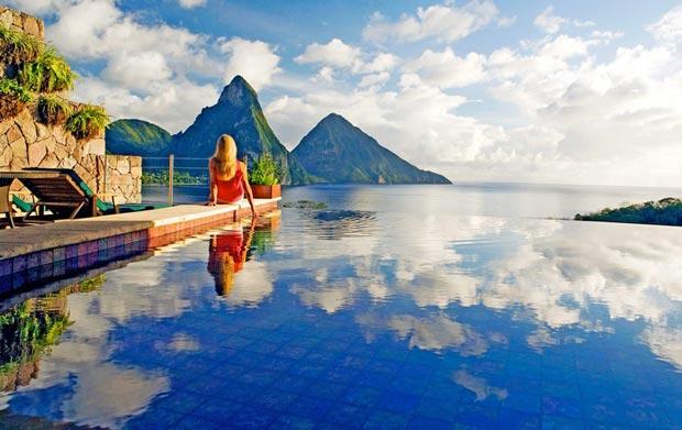 بهترین استخر جهان,2.استخر استراحتگاه Jade Mountain
