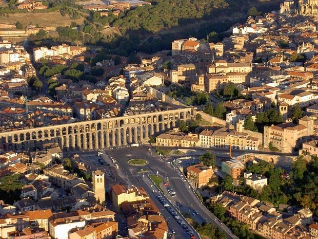 آبگذر سگوبیا-Aqueduct-of-Segovia