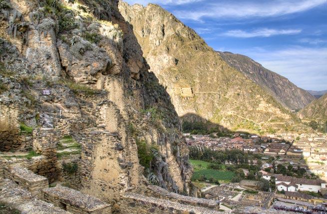 Ancient Inca Ruins, Ollantaytambo, Peru شهر الانتایتامبو