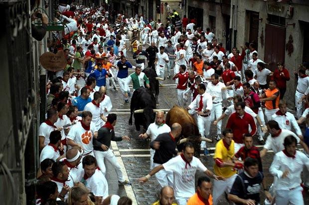 مراسم گاوبازی-Bull_Run_Clemson