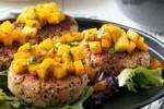 طرز تهیه همبرگر کینوا به همراه چاشنی انبه