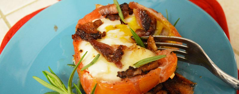 گوجه فرنگی شکم پر به همراه تخم مرغ و گوشت
