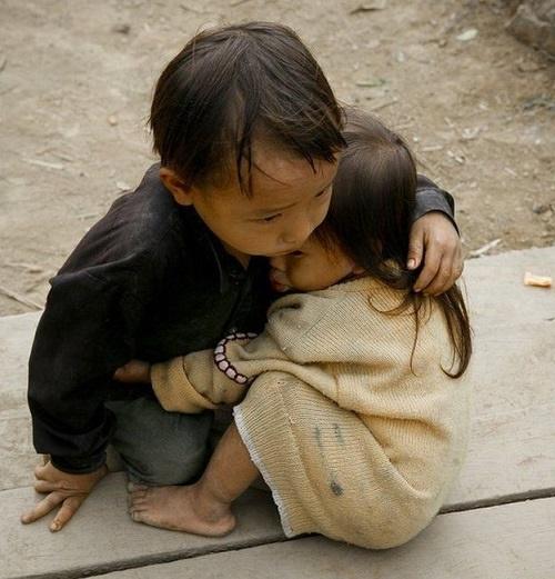 عکس پر احساس خواهر و برادر نپالی