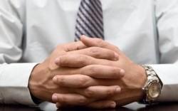 زبان بدن؛ 5 حرکت مهم دست در هنگام گفتگو