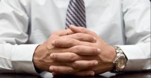 زبان بدن body-language-hands