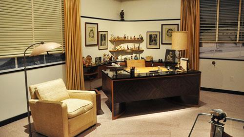Walt-Disney-office