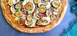 طرز تهیه پیتزای انجیر و قارچ