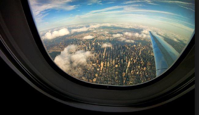 چرا پنجره هواپیما بیضی شکل است؟