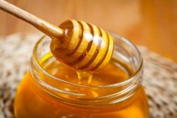 عسل؛ تسکین دهنده طبیعی این 4 درد