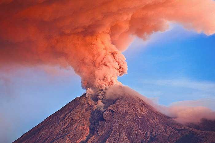 خطرناک ترین جاذبه های گردشگری دنیا,کوه مراپی