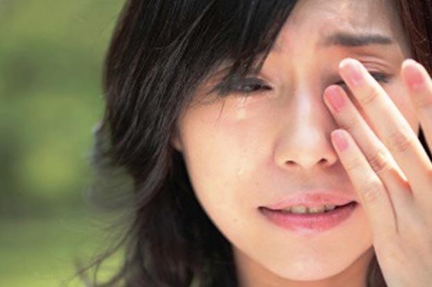 فواید گریه کردن crying-woman