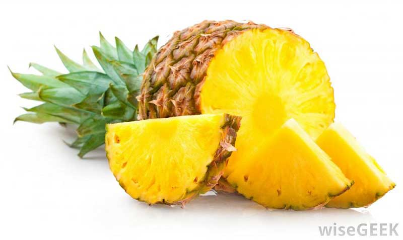 فواید آناناس pineapple-cut-open