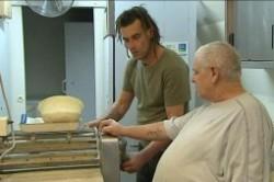 فروختن نانوایی به قیمت 1 دلار!+عکس