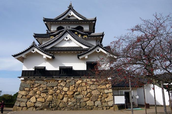 قلعه هیکونه-Hikone-jo-r