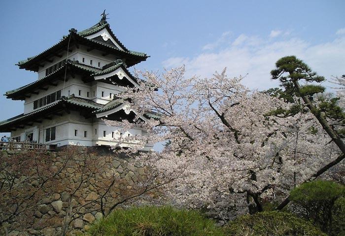 قلعه هیروساکی-hirosaki_castle