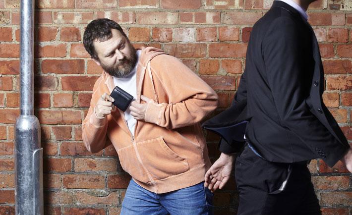حقه های افراد محلی برای گول زدن گردشگرها,pickpocket-CoolGuy