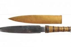چاقویی 3300 ساله از جنس سنگ آسمانی+عکس