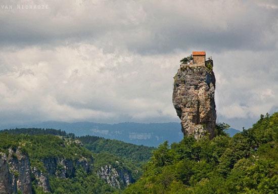 خانه کوهستانی کاتشی در گرجستان