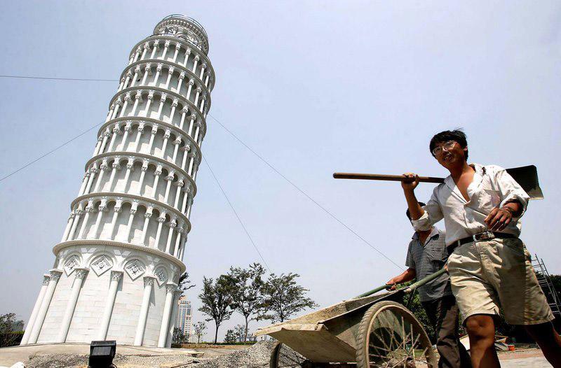 برج تقلبی پیزا در چین