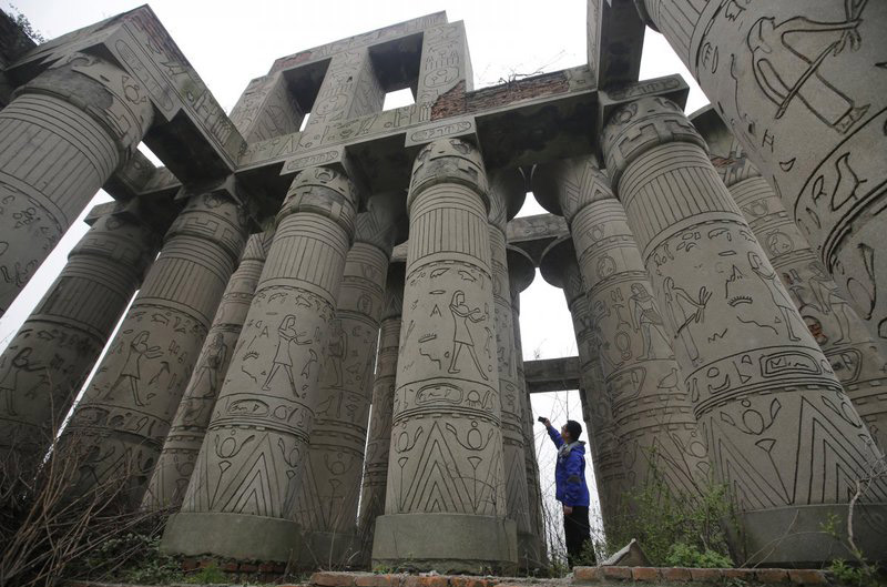 مجتمع تقلبی معبد کرنک در چین