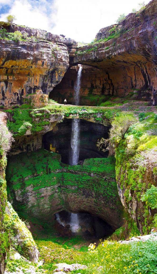 آبشار غار سه پل لبنان