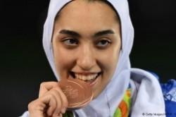 عکس اتاق کیمیا علیزاده، دختر تاریخ ساز ورزش ایران