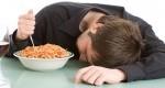 عوارض خوابیدن با معده پر