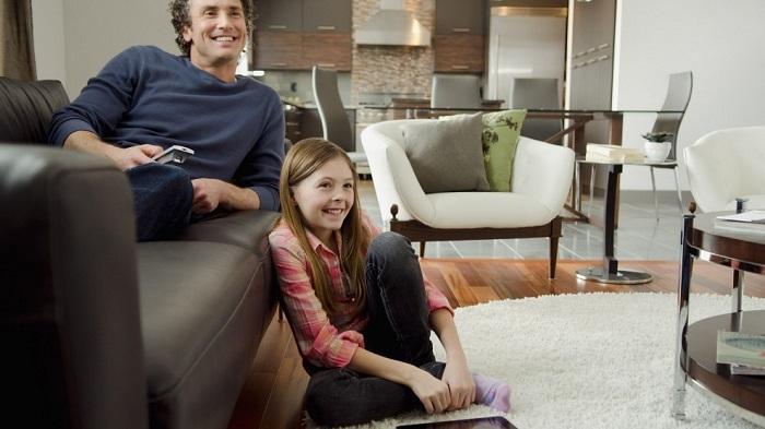 عوارض اعتیاد به تلویزیون - خطرات و مضرات تماشای زیاد تلویزیون