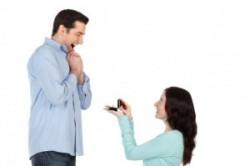 چرا دختر نمیتواند خواستگاری کند؟