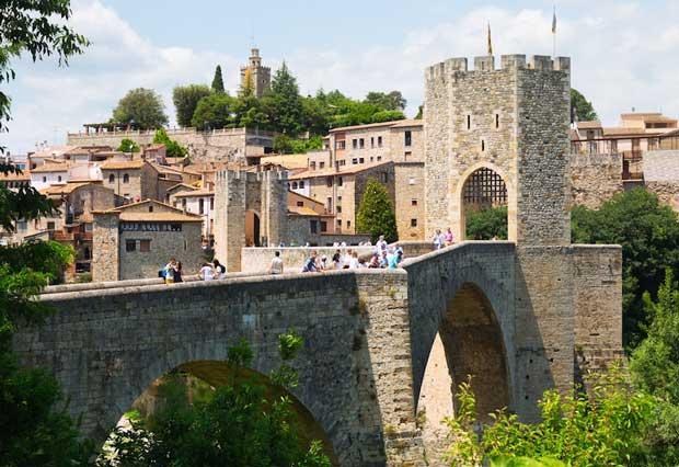 زیباترین شهرهای اسپانیا بسالو-besalu