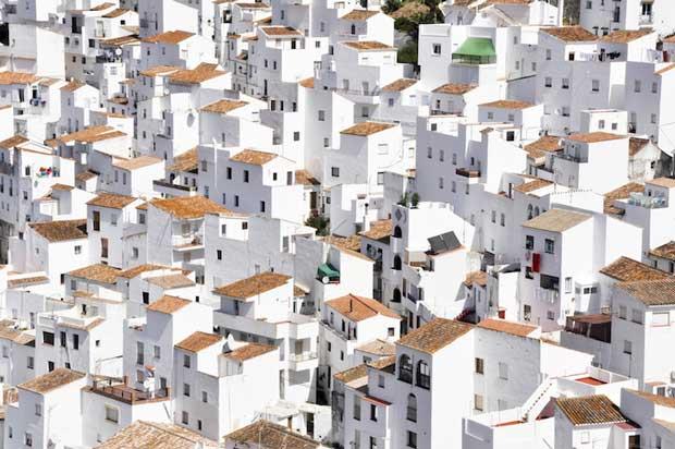 زیباترین شهرهای اسپانیا کاسارس-casares