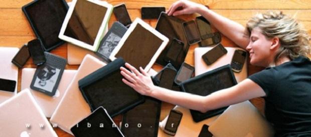 checking-cell-phones,اعتیاد به چک کردن موبایل