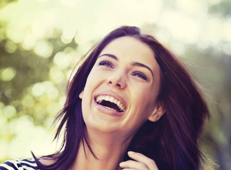 فواید لبخند زدن