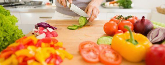 چرا باید غذای سالم بخوریم؟ تحقیق در مورد تغذیه سالم و ناسالم