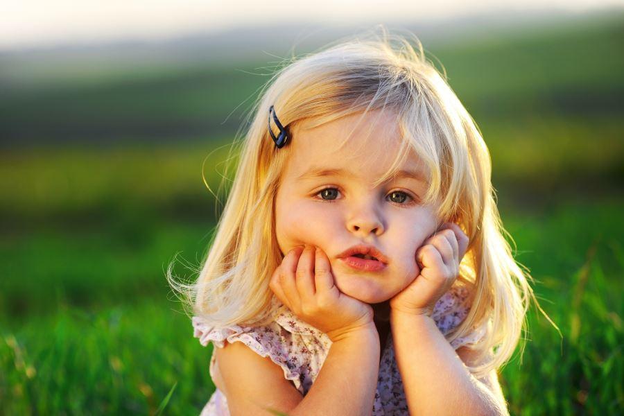 آیا باید بیکاری و سر رفتن حوصله بچهها را برطرف کرد؟