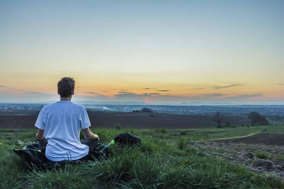 چگونه با مدیتیشن به آرامش برسیم؟