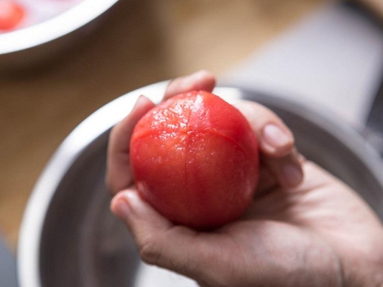 peeling-tomatoes-2