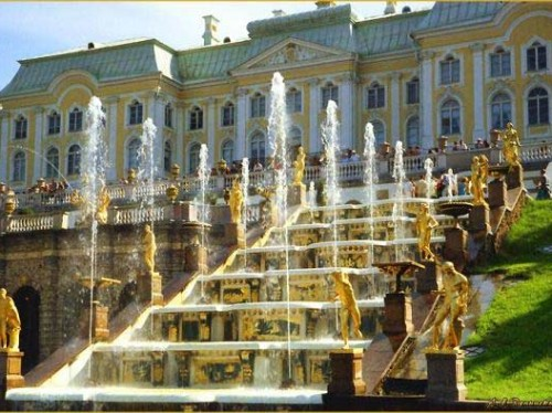 the-peterhof-palace