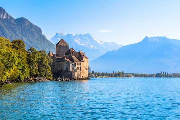 قلعه های تاریخی دیدنی سوئیس,10-chateau_de_chillon