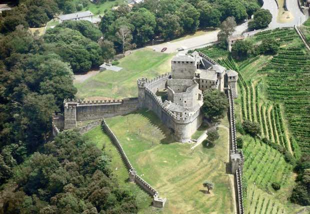 قلعه های تاریخی دیدنی سوئیس,Castello di Montebello