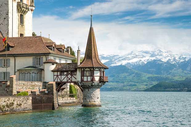 قلعه های تاریخی دیدنی سوئیس,قلعه Oberhofen